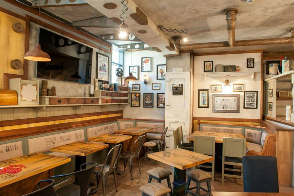 Industrial arredamento per pub realizzazione di locali for Catene di arredamento