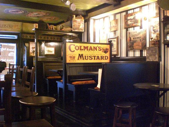 Irish arredamento per pub realizzazione di locali in stile for Arredamento pub inglese