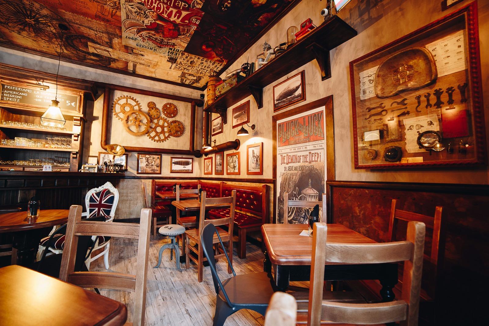 steampunk arredamento per pub realizzazione di locali
